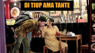 Video MATA KELILIPAN DITIUP AMA TANTE CANTIK MP3, 3GP, MP4, WEBM, AVI, FLV Mei 2019