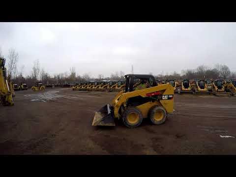 CATERPILLAR SKID STEER LOADERS 236D equipment video dpl5z6HDx0c
