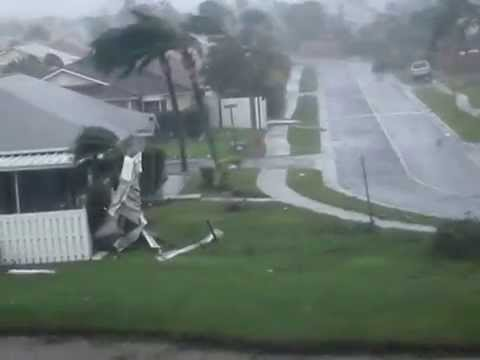 Effects of Hurricane Wilma in Florida 2005- 3.wmv
