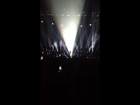 SLEAZE: Beyonce Dedicates Song To Trayvon Martin [VIDEO]