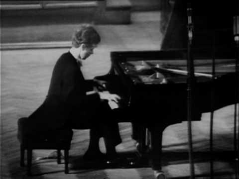 Van Cliburn plays Brahms (vaimusic.com)