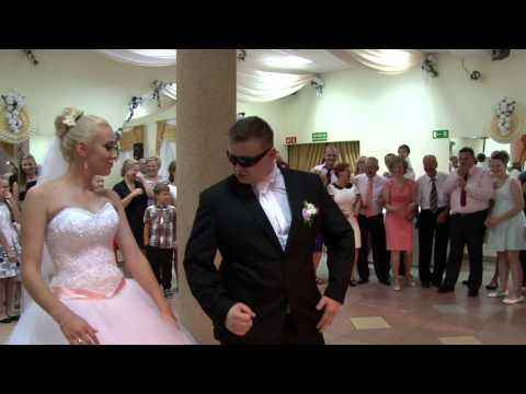 Natalia i Adrian, taniec na wesoło.
