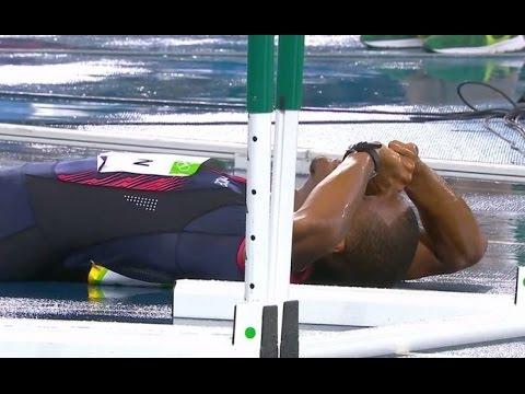 這田徑選手才「剛剛起跑就被取消競賽資格」,讓他崩潰哭倒在賽道上的原因竟是「奧運太愛錢」!