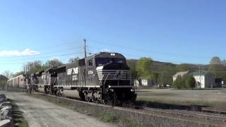 Pownal (VT) United States  City pictures : HD- Autorack train 205 on the B&M - North Pownal,VT