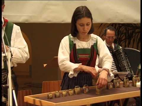 Tekst piosenki The Kelly Family - La montanara po polsku