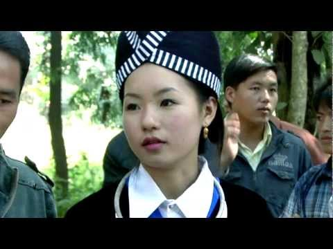 Nkauj Hmoob Zoo Nkauj 2014 - Yias Vaj Hmong Laos New Year 2014