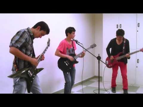 Rock en Español: Tengo Una Chica
