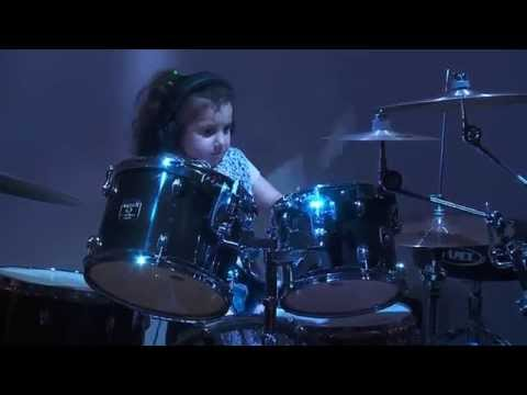 Eduarda Heinkleim. 5 Year Old Prodigy On Drums.