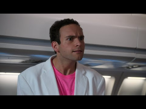Barry Bullies His Way Into First Class - The Goldbergs