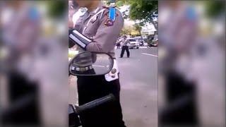 """Video Polisi """"CEMEN"""" Kalah Debat dengan Pengendara Motor Lapor KE SAT RESKRIM MP3, 3GP, MP4, WEBM, AVI, FLV Agustus 2018"""