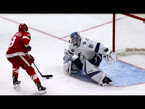 Video: Abdelkader puts moves on Vasilevskiy, scores on penalty shot