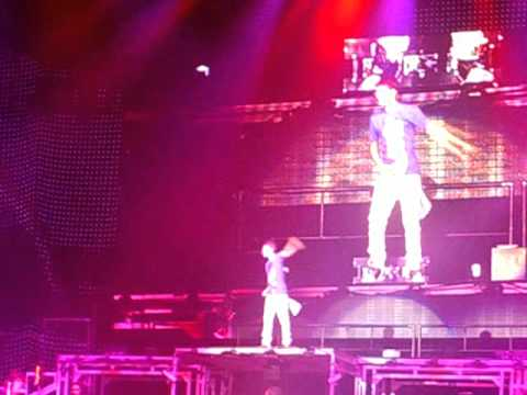 JUSTIN BIEBER One Less Lonely Girl Liverpool 11/Mar/2011 AliceBabyBieberOfficial