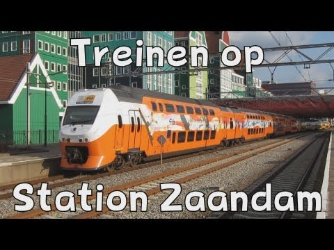 NS - NS Treinen op station Zaandam, op 30 maart 2013. Op 30 maart 2013 reed de Reihngold door Nederland. Deze speciale trein ging naar station Hoorn. Hier een aan...