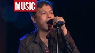 """Download Lagu The Dawn - """"Iisang Bangka Tayo"""" Live at OPM Means 2013! Mp3"""