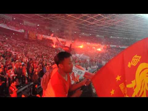 Indonesian Liverpool Fans Singing YNWA LFC TOUR 2013