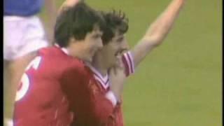 Ian Rush erzielt vier Treffer gegen Everton