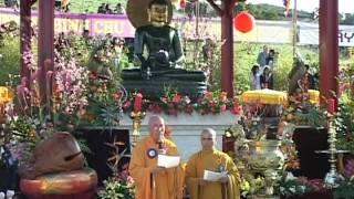 Phật Ngọc Hòa Bình Thế Giới Tại Tu Viện Pháp Vương, California