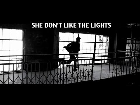 Justin Bieber - She Don't Like The Lights lyrics