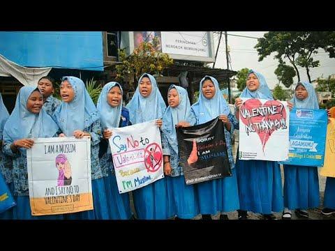 Muslime demonstrieren weltweit gegen den Valentinstag