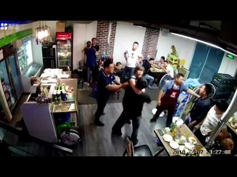 CRAZY FIGHT INSIDE OF CHINESE RESTAURANT 2020