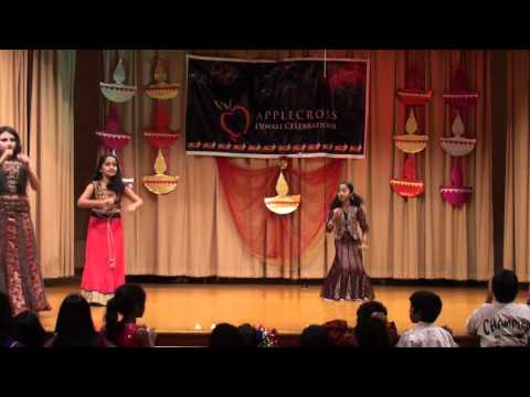 Video Chitras Girls Radha On the Dance Floor download in MP3, 3GP, MP4, WEBM, AVI, FLV January 2017