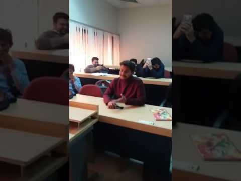 "Student Singing ""Aaj Parhane Ki Zid Na Karo"" In Front Of Teacher In Pakistan"