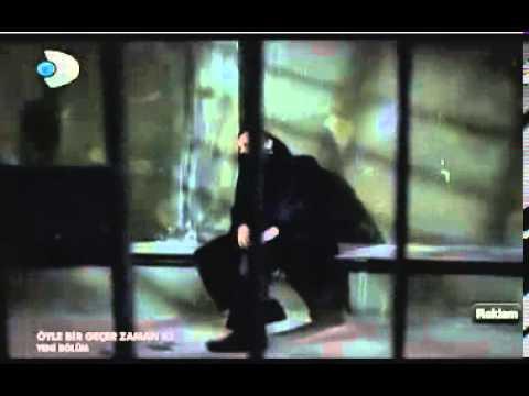 Arif - Kırmızı Gül Demet Demet (Öyle Bir Geçer Zaman Ki) (видео)