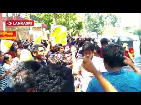 Students-Protest-in-Colombo