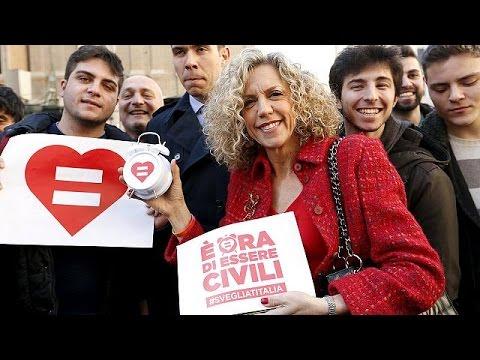 Ιταλία: Διχάζει το σύμφωνο συμβίωσης