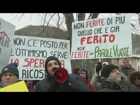 Ιταλία: Διαδήλωση σεισμόπληκτων στο Γκρισιάνο