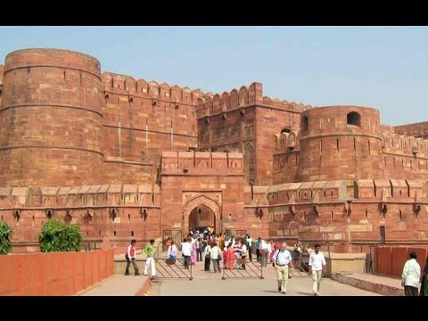 fort - Recorded February 7, 2013 This is a segment from my complete Agra video located at http://youtu.be/7grt6R29FN0. Agra Fort, is a monument, a UNESCO World Heri...