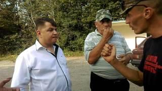 Після 5 годин блокування дороги, приїхав голова обласної ради Овчарук М.М