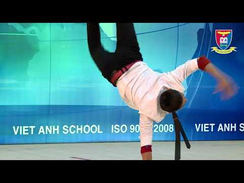 """Lễ Trao chứng chỉ Anh văn Cambridge 2017""""Nhảy hiện đại - nhóm Oxi"""""""