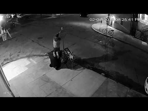 Tämä varas näkee vaivaa varastaakseen pyörän