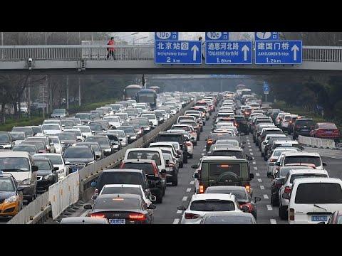 Κίνα: Τα μέτρα χαλαρώνουν και οι πολίτες πηγαίνουν διακοπές…