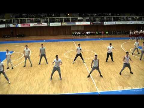 12.B osztály szalagavató tánca - 2015. december 18.