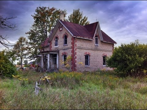Cemetery - I found this abandoned house directly next to an old cemetery which seems to be named after a large family settlement named Eddie. The house was built in 187...