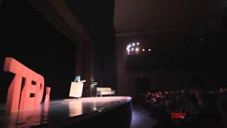 Moda cutiilor sau Jocuri pe marginea cutiei   Mădălina Petrencu   TEDxConstanta
