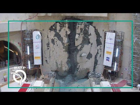 Percement du tympan sud du futur ouvrage de service par le tunnelier Allison