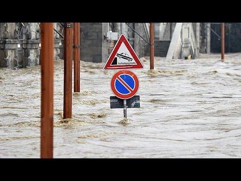 Ιταλία: Ποτάμια λάσπης «καταπίνουν» ορεινά χωριά