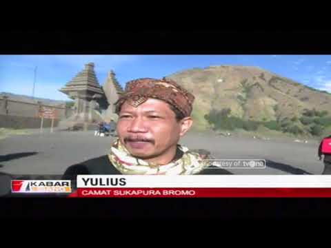 Pawai Obor Asian Games Lintasi Lautan Pasir Gunung Bromo