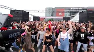 Video KPOP random play dance for 20 minutes without 'any' break in KCON18NY MP3, 3GP, MP4, WEBM, AVI, FLV September 2018