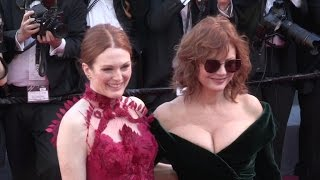 Video Susan Sarandon and Julianne Moore on the red carpet for the Opening Ceremony of the 70th Cannes Film MP3, 3GP, MP4, WEBM, AVI, FLV November 2017