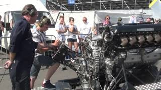 Rolls Royce V12 27litre Merlin engine PV12 FULL THROTTLE!