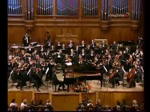 Lugansky plays Ravel - Piano Concerto for Left Hand 1/2