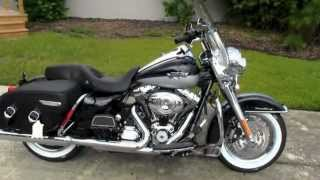1. 2012 Harley Davidson Road King Classic - Dealer