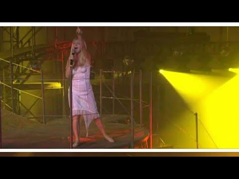 The 1st Lady Of Trance, Jan Johnston - Freefall Skydive (Live with Tiesto in Concert