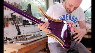 Download Lagu The CRAZIEST bass you've ever seen... and it was Prince's! Mp3