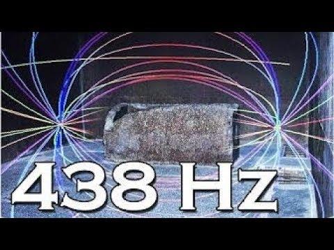"""Scienziati scoprono misteriosa """"vibrazione"""" a 438 Hz nel sarcofago situato nella ..."""