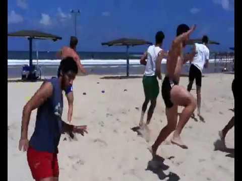 אימוני הכנה לכדורגלנים ידועים בים 2013